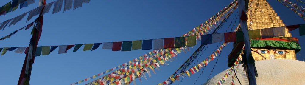 Resa Tibet och Nepal, böneflaggor i Katmandu