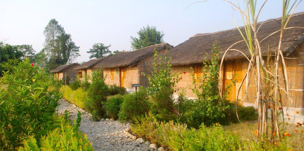 Chitwan nationalpark, boende i bambustugor