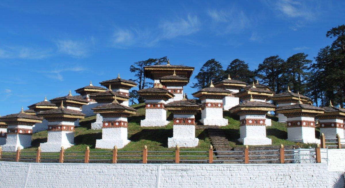 Vandringsresa Bhutan, buddistiska stupor