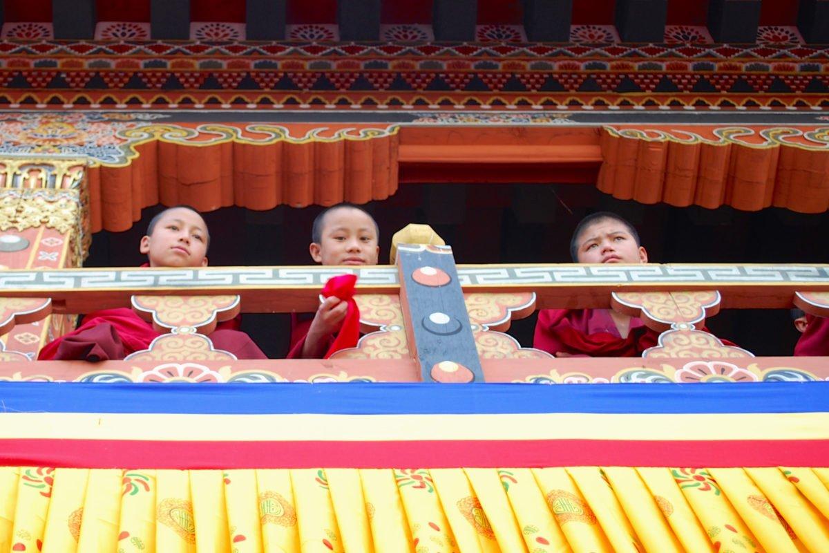 munkar på resa till Bhutan