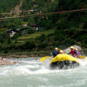 Rafting för den som vill vara lite äventyrlig på resa till Bhutan
