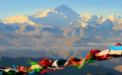 Rundresa Tibet, Mt Everest och färgglada böneflaggor