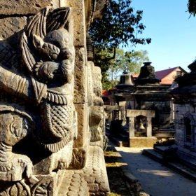 Forspaddlingsresa Nepal. Hinduiska tempelbyggnader.