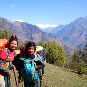 Vandring i Nepal, guide och bärare