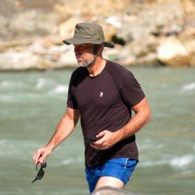 Paddlingskurs Nepal. Peter vid floden.