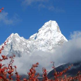 Vy av Ama Dablam på vår väg till Everest Base Camp