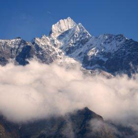 Thamserku, en av många vackra toppar i området kring Everest Base Camp