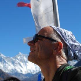 Lennart njuter av den spektakulära utsikten