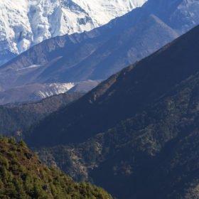 gröna och vita berg - Everest Base Camp