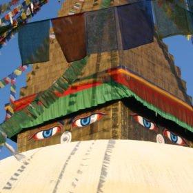 MTB Nepal, buddhas ögon på en stupa i Katmandu
