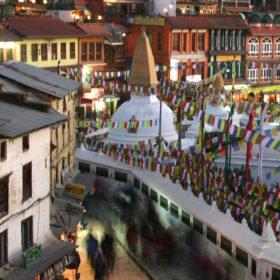 Runderesa Nepal. Buddistiskt tempelområde i Katmandu