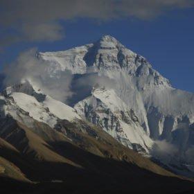 Rundresa Tibet, Mt Everest, världens högsta berg, sett från baslägret i Tibet