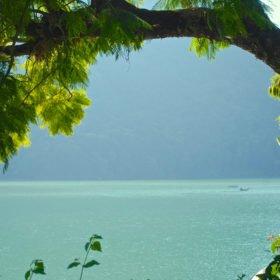 Vandringsresa Nepal. Fewa Tal, sjön i Pokhara.