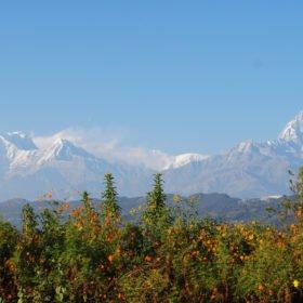 Tjejresa Nepal, Snötäckta bergstoppar i fjärran