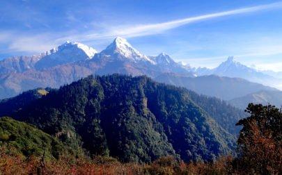 vandringsresa Nepal, vyer av snötäckta berg