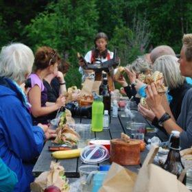 Äventyr i Sverige, lunchdags vid en fäbod i Dala-Floda