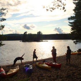 Äventyr i Sverige, yoga på strand