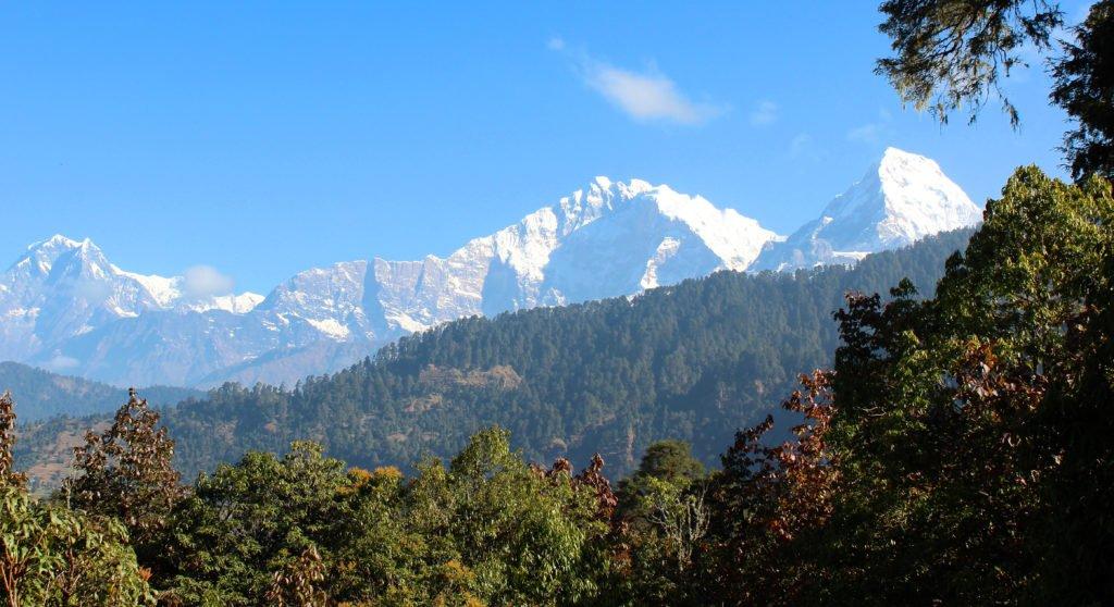 Gruppresa i Nepal, vackra bergsvyer