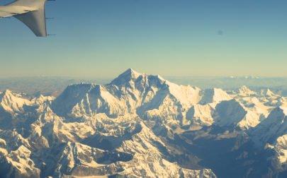 Lyxresa Nepal, vy av Mt Everest från flygplanet