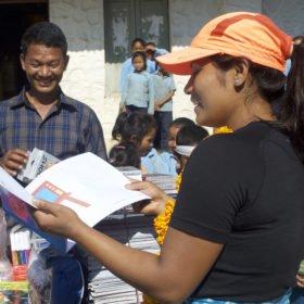 Vandra i Nepal, besök på en skola