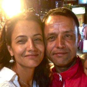 Återresa Nepal, Karin med sin nyfunne bror.