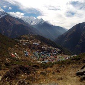 Namche, den största byn vi passerar i bergen