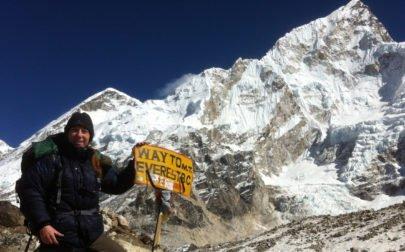Gruppresa Everest, Yvonne med Nuptse i bakgrunden