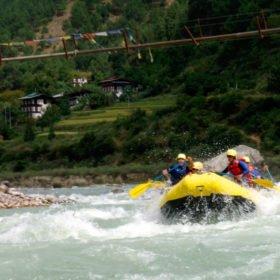 Paddling i Bhutan