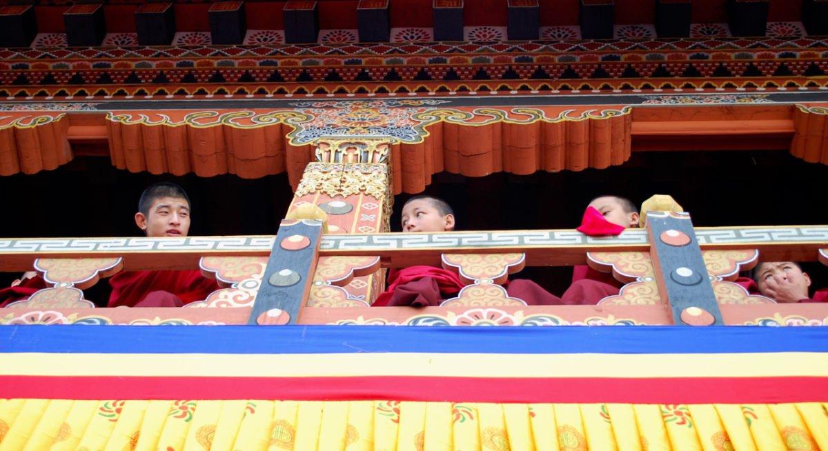 Resa Bhutan - små munkar
