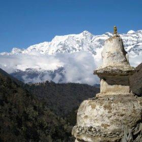 EBC Nepal, stupa och berg