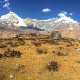 Vackra bergsvyer och en mountainbike