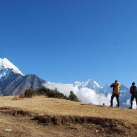 Vy av berget Thamsherku 6608 - på väg till Everest Basecamp