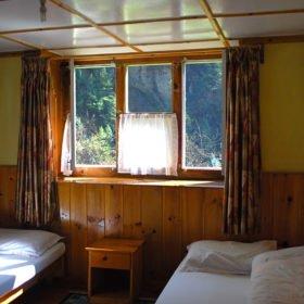 Ett av rumen i ett tehus på väg mot Everest Basecamp