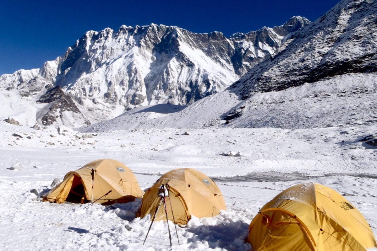 tält vid Island Peak basecamp, på resan i Nepal