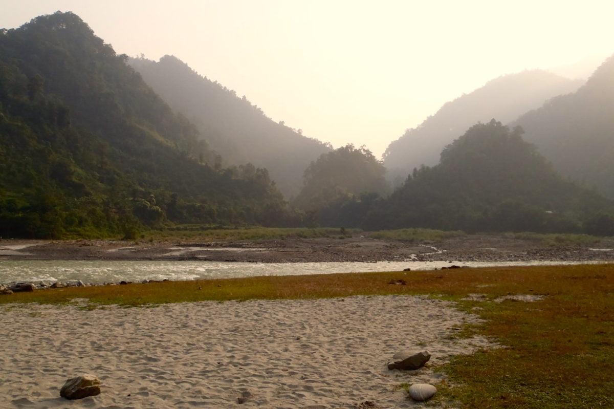 Skymning vid floden