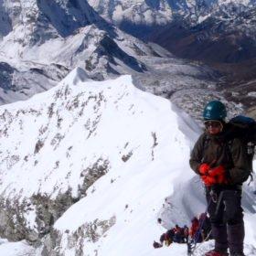 Cina vid toppen av Island Peak på resa i Nepal