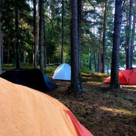 camping i tält äventyr i Dalarna