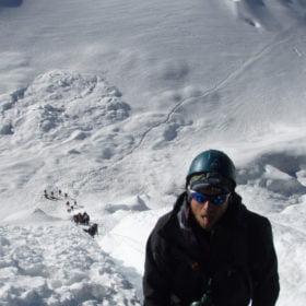 Vilopaus på 6000 meter nära toppen av Island Peak