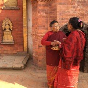 nepalesiska kvinnor rundresa Nepal