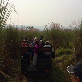 På jeepsafari rundresa Nepal