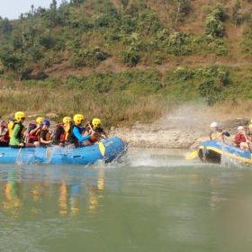 forsränning rundresa Nepal