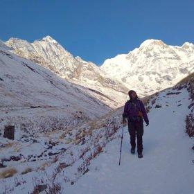 Sophie i närheten av Annapurna Base Camp