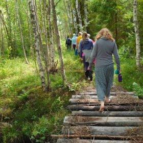 skogsbad och yoga