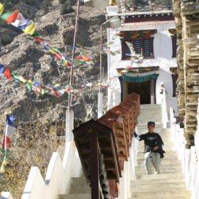 kloster på skräddarsydd resa i Nepal