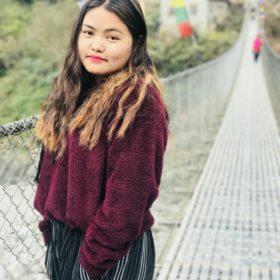 Kismita Gurung, en av guiderna på resan
