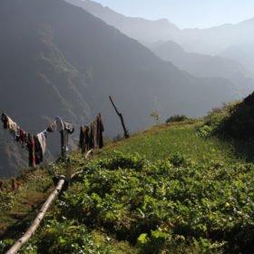 vy i en by på trekking i Nepal