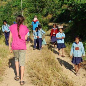 på plogga-vandring i Nepal