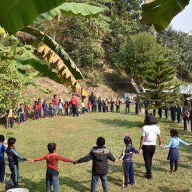 barn får lära sig om miljö på plogga-resan
