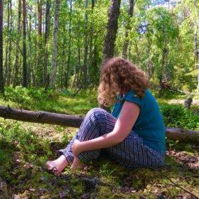 Elin på skogsbad