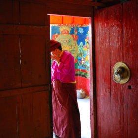 buddistisk munk i Tibet